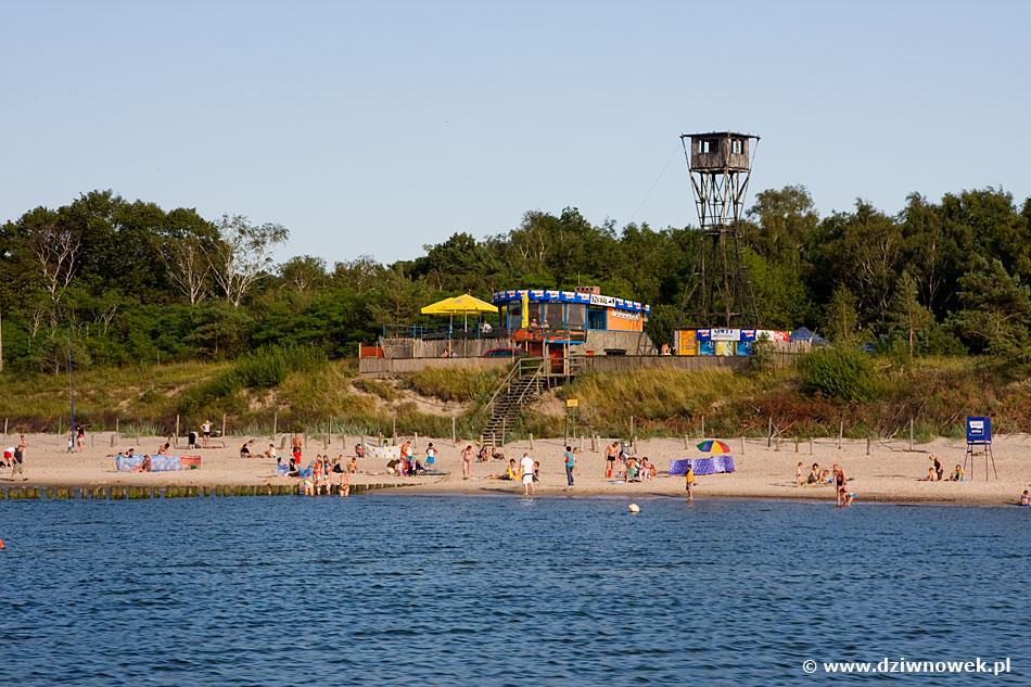 Dziwnówek nad morzem bałtyckim - plaża w Dziwnówku, pokoje gościnne i tanie kwatery w Dziwnówku nad morzem